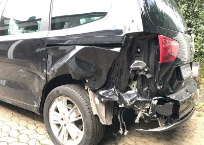 SV Dreher Unfall Pkw 114